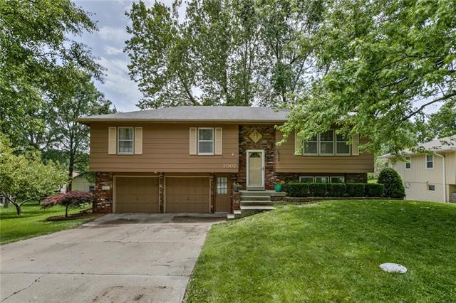 7007 NW 73rd Terrace, Kansas City, MO 64152 (#2171851) :: No Borders Real Estate