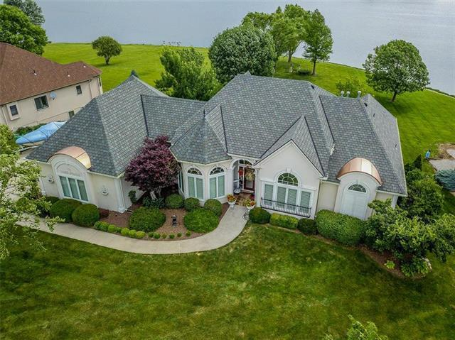 4541 SW Gull Point Drive, Lee's Summit, MO 64082 (#2171859) :: No Borders Real Estate
