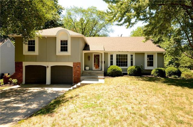 9930 Melrose Drive, Overland Park, KS 66214 (#2171863) :: The Shannon Lyon Group - ReeceNichols