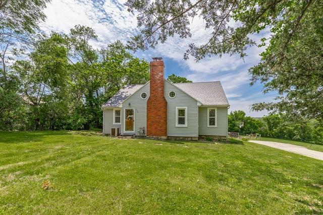 630 S 122 Street, Bonner Springs, KS 66012 (#2171870) :: NestWork Homes