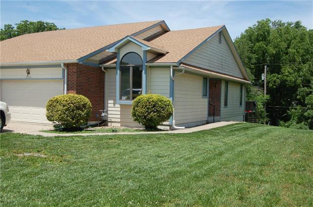 2314 Twin Oaks Drive, Harrisonville, MO 64701 (#2171876) :: Eric Craig Real Estate Team