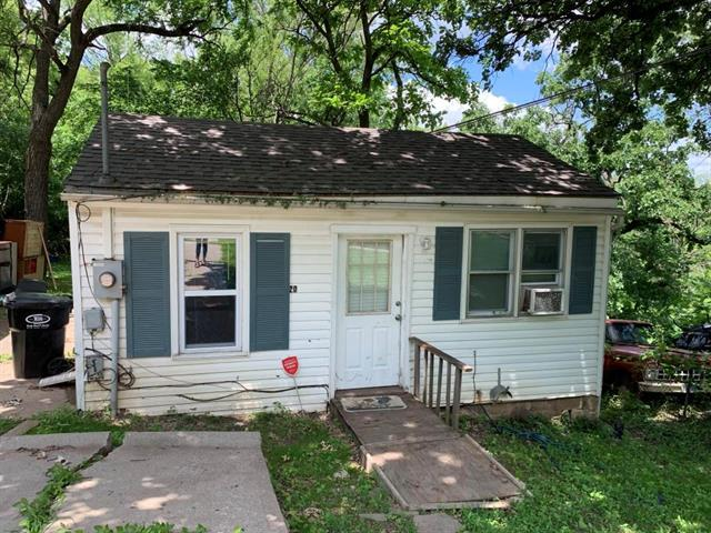 1422 S Maywood Avenue, Independence, MO 64052 (#2171907) :: No Borders Real Estate