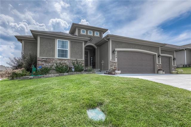 9109 Garfield Avenue, Kansas City, KS 66112 (#2171929) :: House of Couse Group