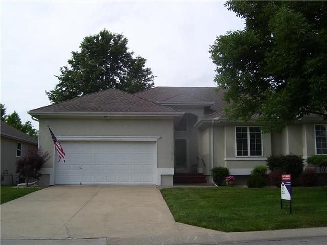 17219 E 44th Terr Court, Independence, MO 64055 (#2171981) :: Team Real Estate