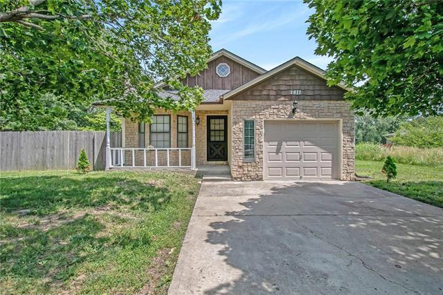 1811 S Swope Drive, Independence, MO 64057 (#2172047) :: Team Real Estate