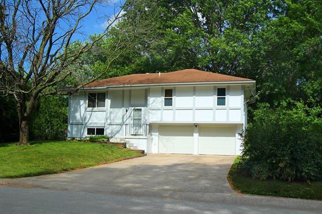 1613 SE Oak Street, Oak Grove, MO 64075 (#2172050) :: No Borders Real Estate
