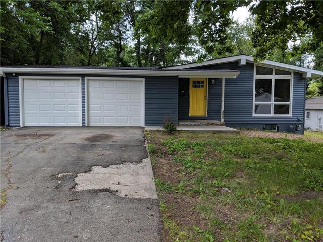 10403 E 39TH Terrace, Kansas City, MO 64133 (#2172132) :: Eric Craig Real Estate Team
