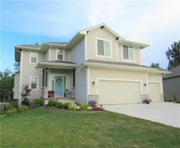 1028 SE Carmine Court, Blue Springs, MO 64014 (#2172202) :: Dani Beyer Real Estate