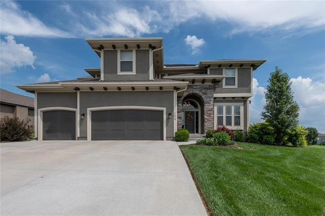 7619 Green Street, Shawnee, KS 66227 (#2172207) :: Team Real Estate