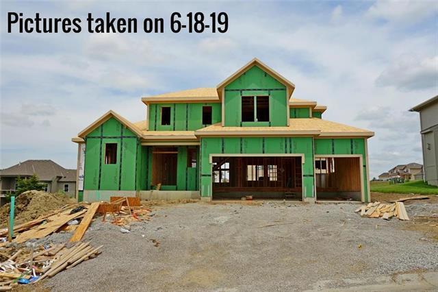 25142 W 114th Court, Olathe, KS 66061 (#2172216) :: House of Couse Group