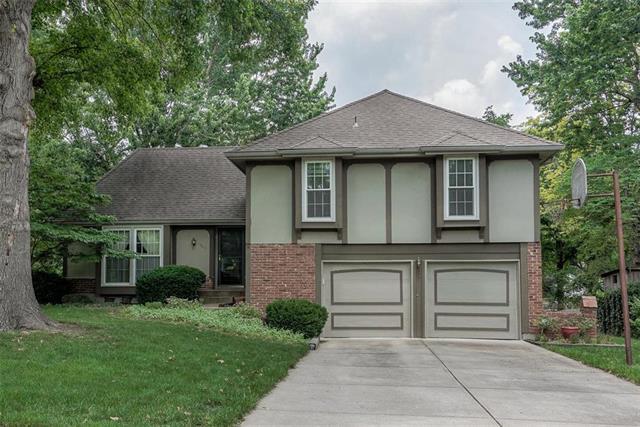 10071 Bluejacket Drive, Overland Park, KS 66214 (#2172221) :: Eric Craig Real Estate Team