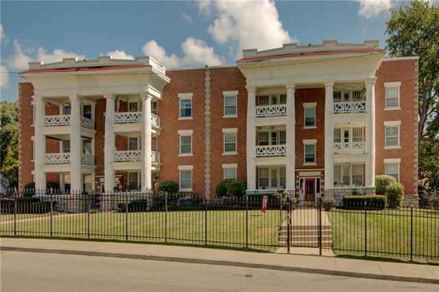 406 E 43rd Street 2E, Kansas City, MO 64110 (#2172280) :: Clemons Home Team/ReMax Innovations