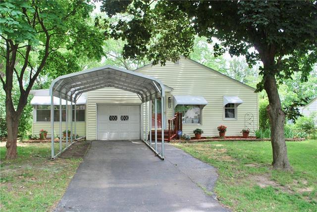 4649 N Kansas Avenue, Kansas City, MO 64117 (#2172355) :: Kansas City Homes