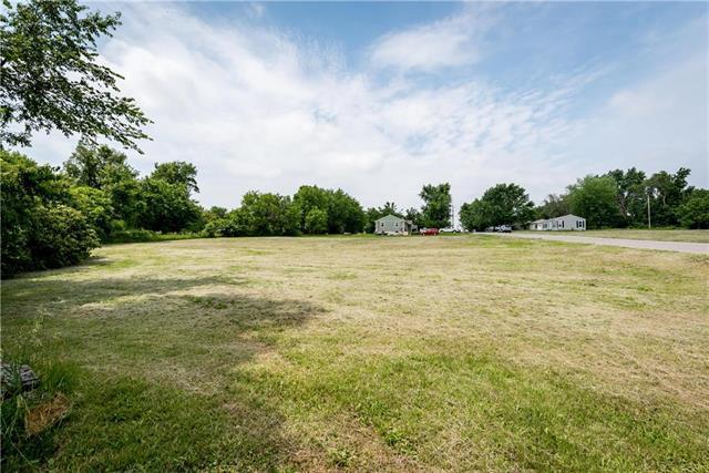 2229 S 39th Street, Kansas City, KS 66106 (#2172382) :: Eric Craig Real Estate Team