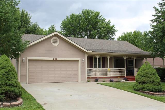 928 Park Avenue, Leavenworth, KS 66048 (#2172451) :: Edie Waters Network