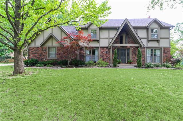 3613 NW Blue Jacket Drive, Lee's Summit, MO 64064 (#2172452) :: Ask Cathy Marketing Group, LLC