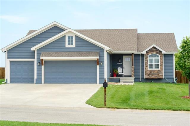 3729 N 154th Street, Basehor, KS 66007 (#2172501) :: No Borders Real Estate