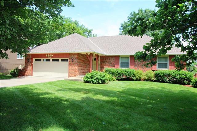 6909 Park Street, Shawnee, KS 66216 (#2172567) :: Kedish Realty Group at Keller Williams Realty