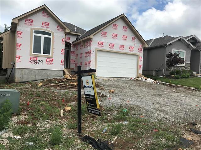 9879 Garden Street, Lenexa, KS 66227 (#2172663) :: Eric Craig Real Estate Team