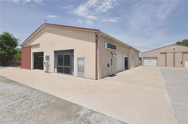 19730 Humphreys Road, Platte City, MO 64079 (#2172702) :: Clemons Home Team/ReMax Innovations
