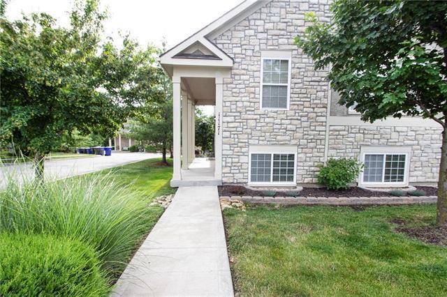 11171 S Woodsonia Street, Olathe, KS 66061 (#2172713) :: House of Couse Group