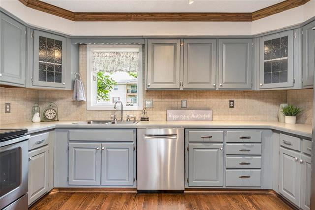 4704 El Monte Street, Roeland Park, KS 66205 (#2172813) :: Team Real Estate