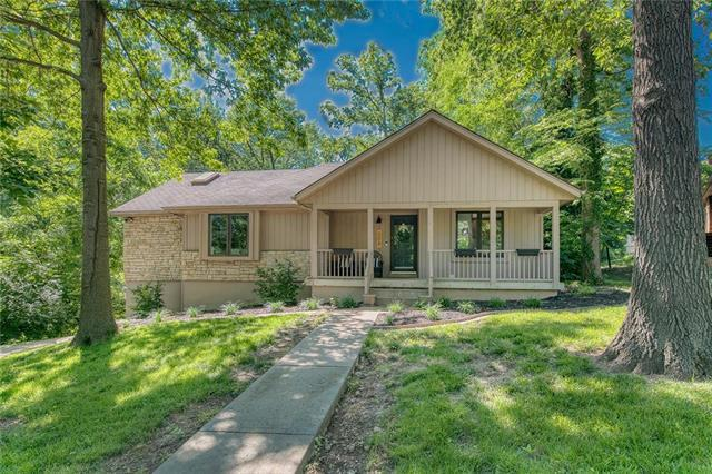 508 Lancelot Drive, Liberty, MO 64068 (#2172873) :: House of Couse Group