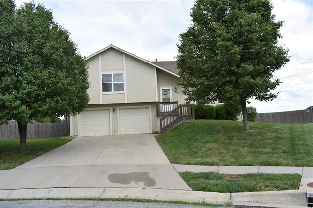 32535 W 174th Terrace, Gardner, KS 66030 (#2172875) :: Team Real Estate