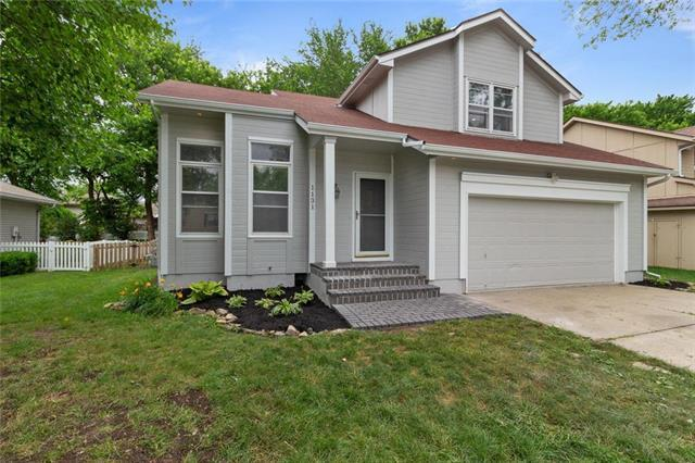 1131 SW Eastman Court, Blue Springs, MO 64015 (#2172887) :: Team Real Estate
