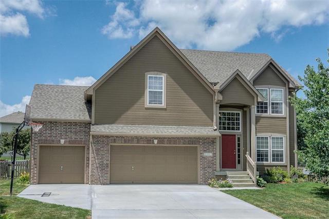 2317 NE 23rd Street, Blue Springs, MO 64029 (#2172927) :: Team Real Estate