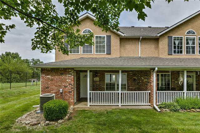 1375 E 120 Street, Olathe, KS 66061 (#2172933) :: House of Couse Group