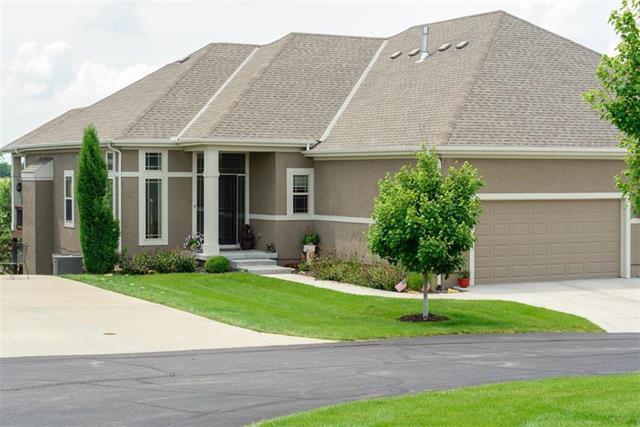 21922 W 116th Terrace, Olathe, KS 66061 (#2172936) :: House of Couse Group