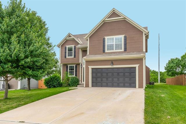 524 E Bluebird Street, Gardner, KS 66030 (#2172979) :: House of Couse Group