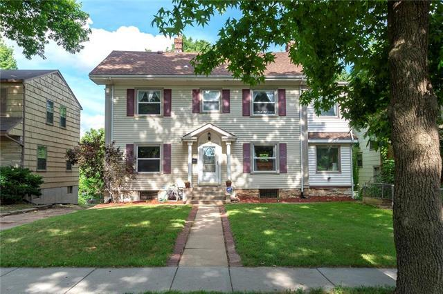 5009 Forest Avenue, Kansas City, MO 64110 (#2172989) :: House of Couse Group