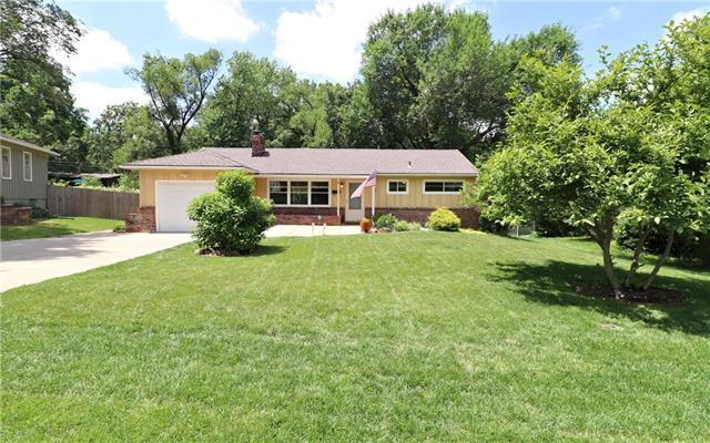 7724 Maple Street, Prairie Village, KS 66208 (#2173010) :: Team Real Estate