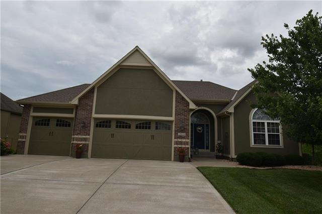 1504 Cross Creek Drive, Raymore, MO 64083 (#2173030) :: House of Couse Group