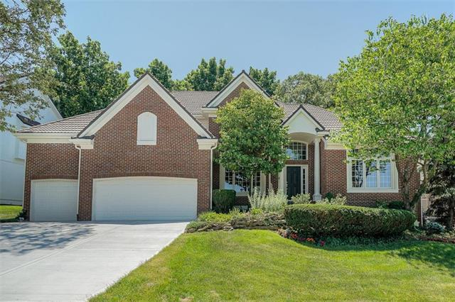 5324 NE Northgate Crossing, Lee's Summit, MO 64064 (#2173040) :: Ask Cathy Marketing Group, LLC