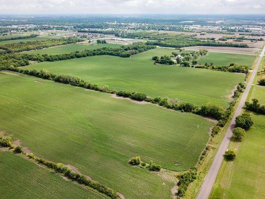 2425 Labette Road, Ottawa, KS 66067 (#2173101) :: DHG Network