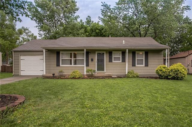 7139 Beverly Street, Overland Park, KS 66204 (#2173127) :: Team Real Estate