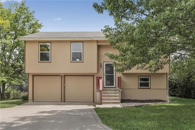 801 S Deerfield Drive, Bonner Springs, KS 66012 (#2173171) :: Team Real Estate