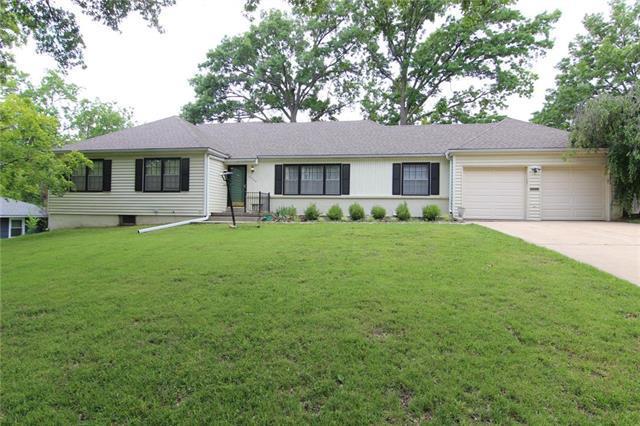 9908 Belleview Avenue, Kansas City, MO 64114 (#2173195) :: Team Real Estate