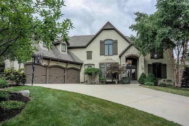 14008 Beverly Street, Overland Park, KS 66223 (#2173204) :: The Shannon Lyon Group - ReeceNichols