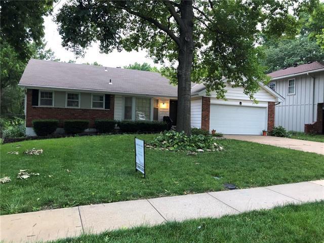 9000 W Grant Street, Overland Park, KS 66212 (#2173209) :: Team Real Estate