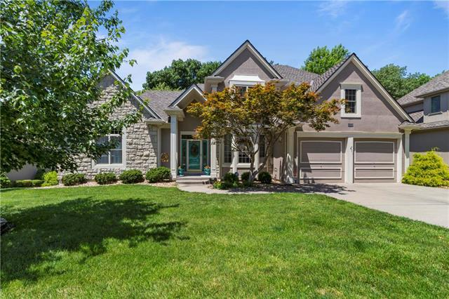 5804 Trailridge Drive, Parkville, MO 64152 (#2173219) :: The Gunselman Team