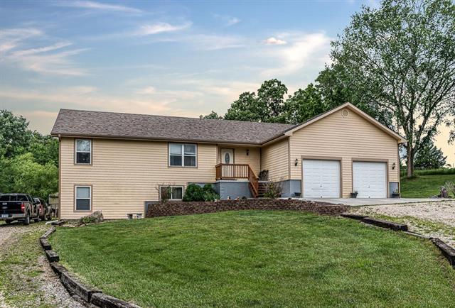 25493 Kansas Avenue, Tonganoxie, KS 66086 (#2173224) :: Kedish Realty Group at Keller Williams Realty