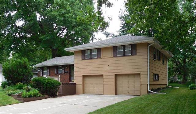 404 NW Lakeview Road, Blue Springs, MO 64014 (#2173317) :: Team Real Estate