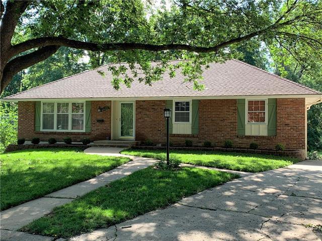 15001 E 39TH Terrace, Independence, MO 64055 (#2173329) :: Eric Craig Real Estate Team
