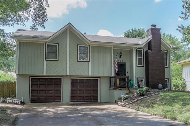 309 NE 1ST Street, Blue Springs, MO 64014 (#2173368) :: Eric Craig Real Estate Team
