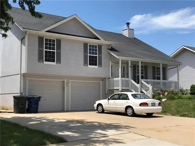2217 NE Maybrook Drive, Blue Springs, MO 64029 (#2173372) :: Eric Craig Real Estate Team