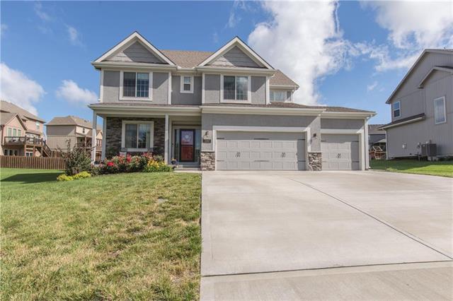 2202 NE 111th Street, Kansas City, MO 64155 (#2173462) :: Dani Beyer Real Estate